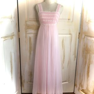 Gotham size medium vintage nightgown
